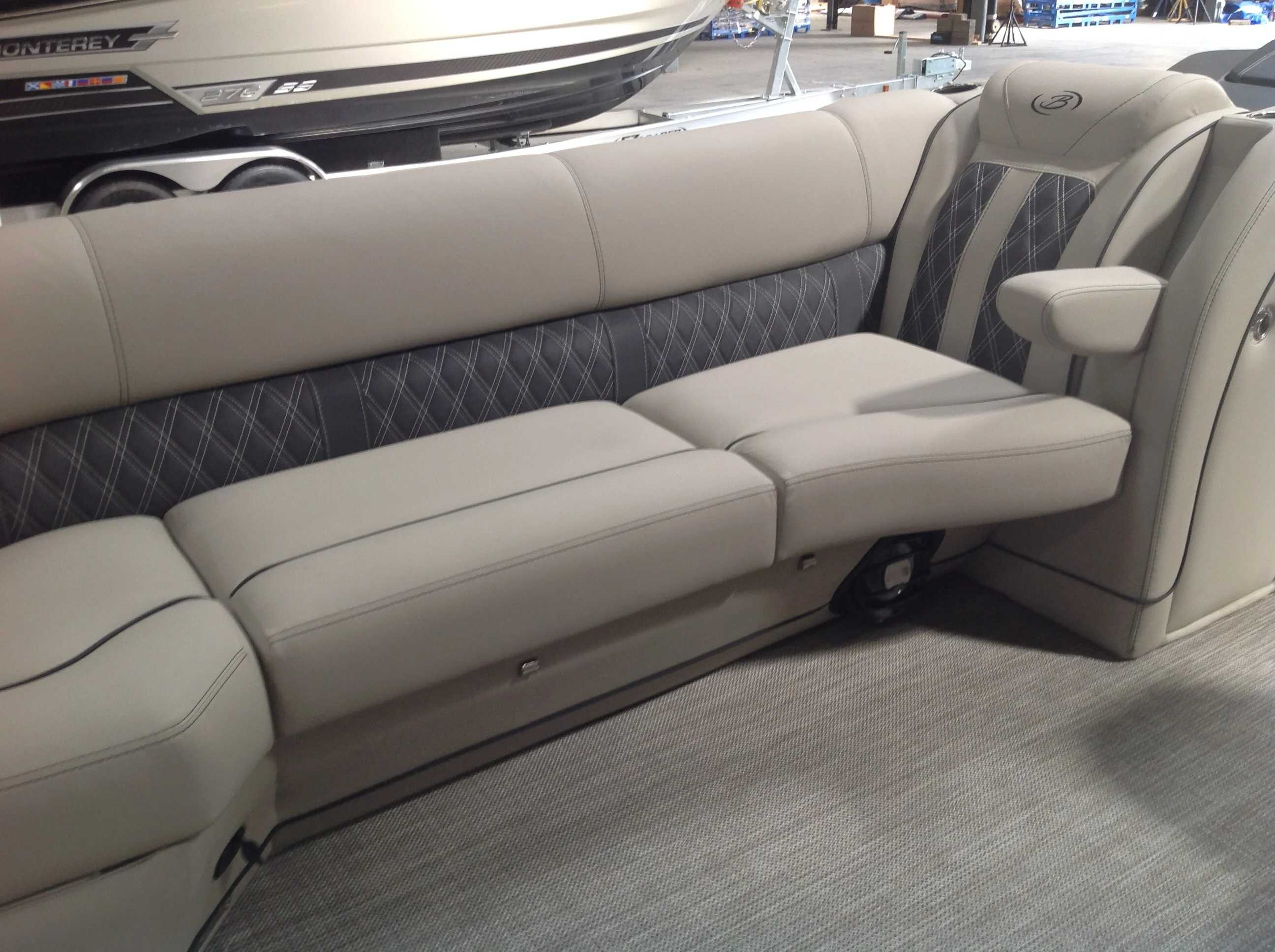 2021 Barletta boat for sale, model of the boat is L25UC & Image # 5 of 17