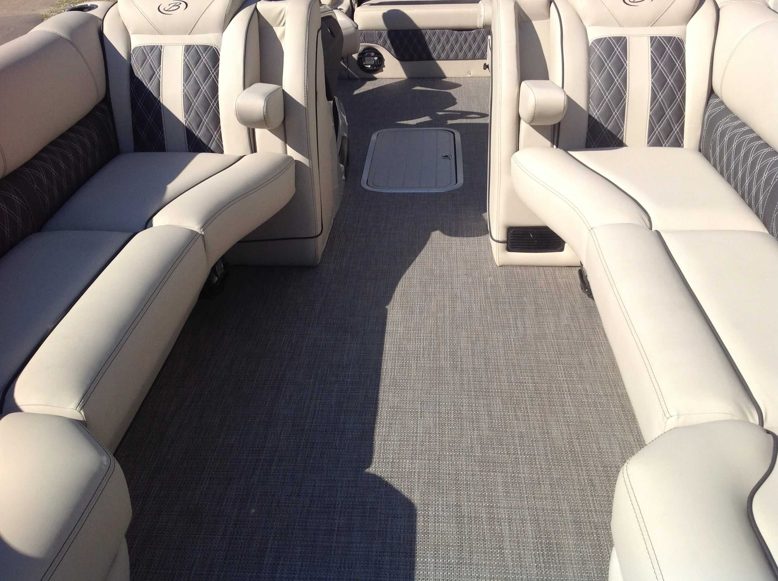 2021 Barletta boat for sale, model of the boat is L25UC & Image # 3 of 17