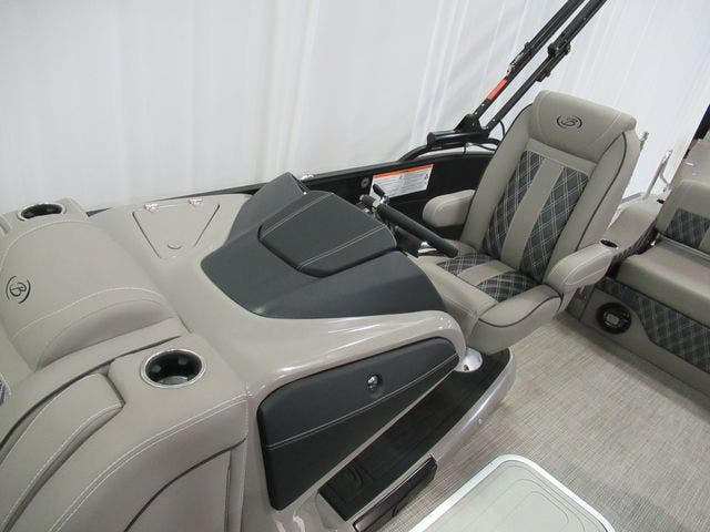 2021 Barletta boat for sale, model of the boat is L25UCTT & Image # 11 of 28