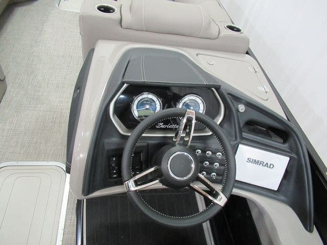 2021 Barletta boat for sale, model of the boat is L25UCTT & Image # 13 of 28