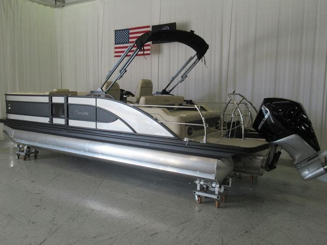 2021 Barletta boat for sale, model of the boat is L25UCTT & Image # 3 of 3