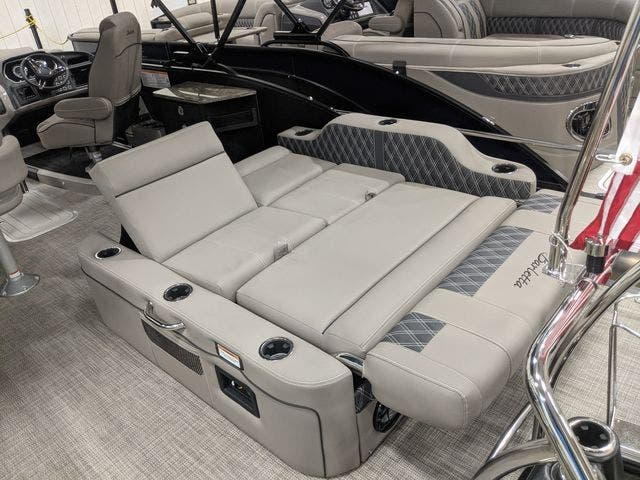 2021 Barletta boat for sale, model of the boat is L25UETT & Image # 6 of 12
