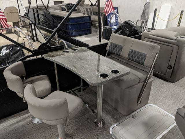 2021 Barletta boat for sale, model of the boat is L25UETT & Image # 7 of 12