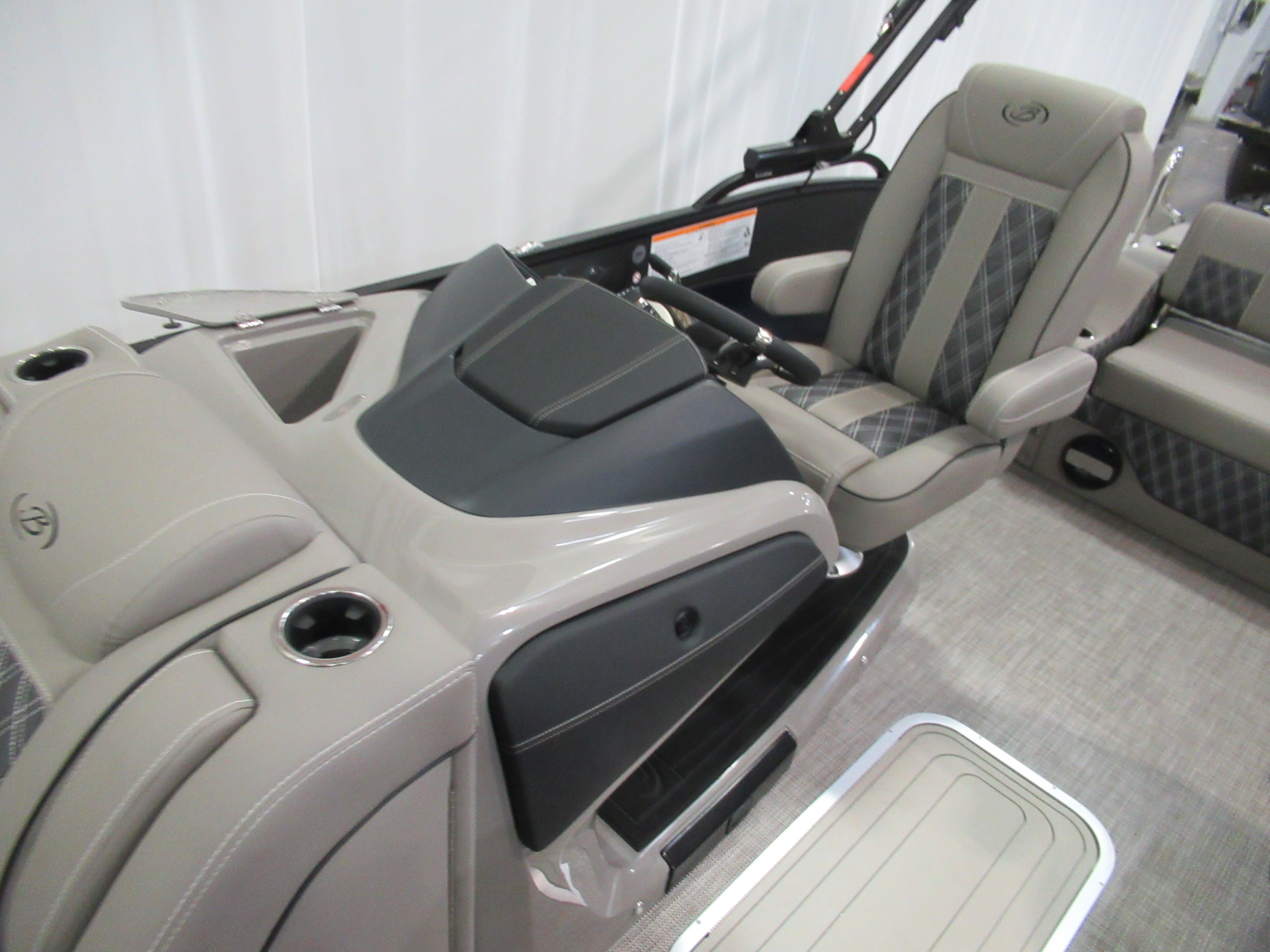 2021 Barletta boat for sale, model of the boat is L25uc & Image # 7 of 11