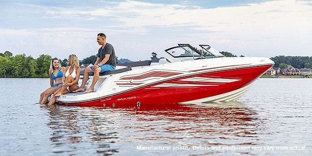 2021 Bayliner boat for sale, model of the boat is 20-VR5 & Image # 3 of 43