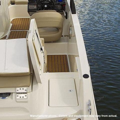 2021 Bayliner boat for sale, model of the boat is 20-VR5 & Image # 40 of 43