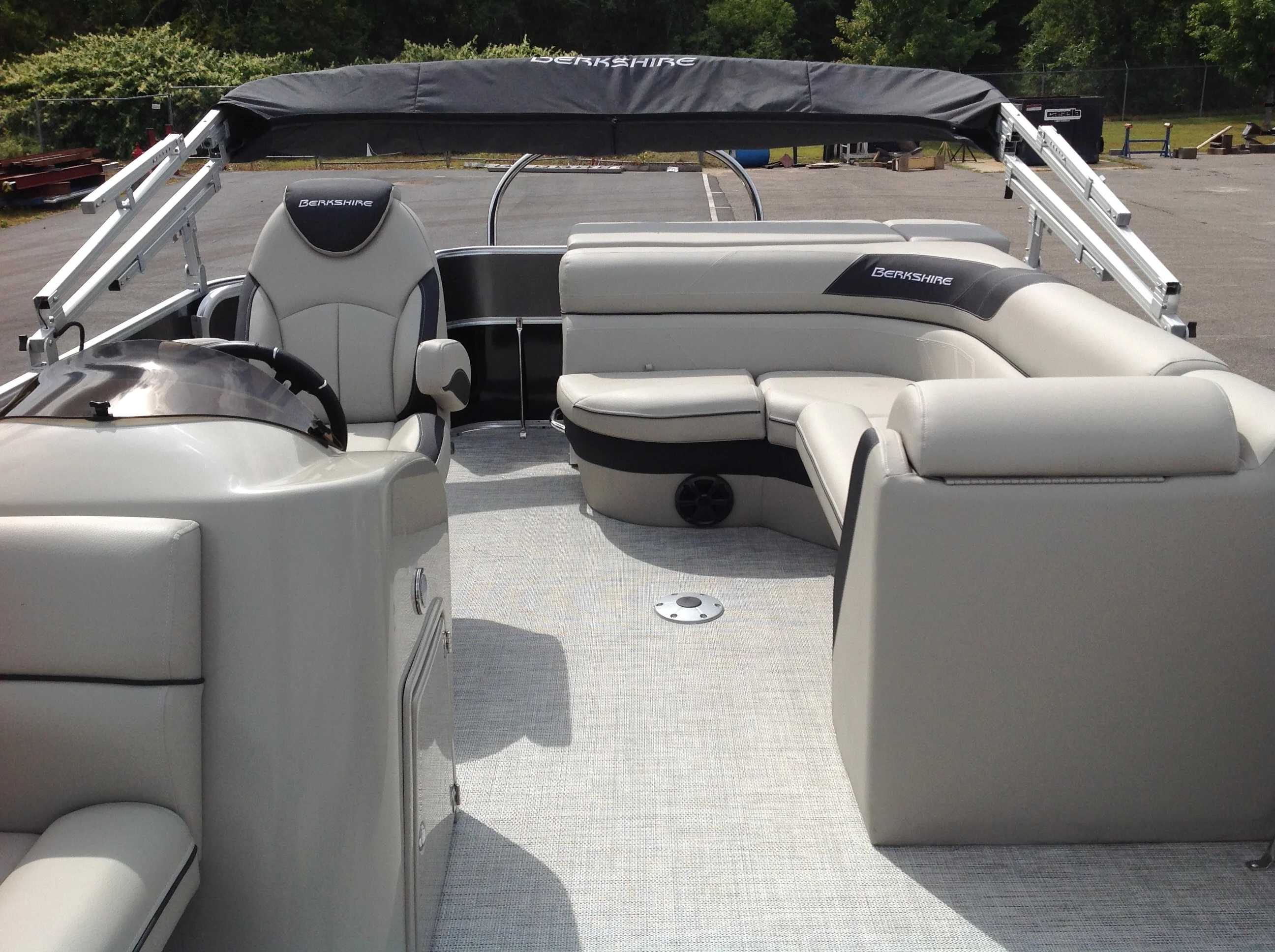 2021 Berkshire Pontoons boat for sale, model of the boat is 20cl Le & Image # 6 of 13