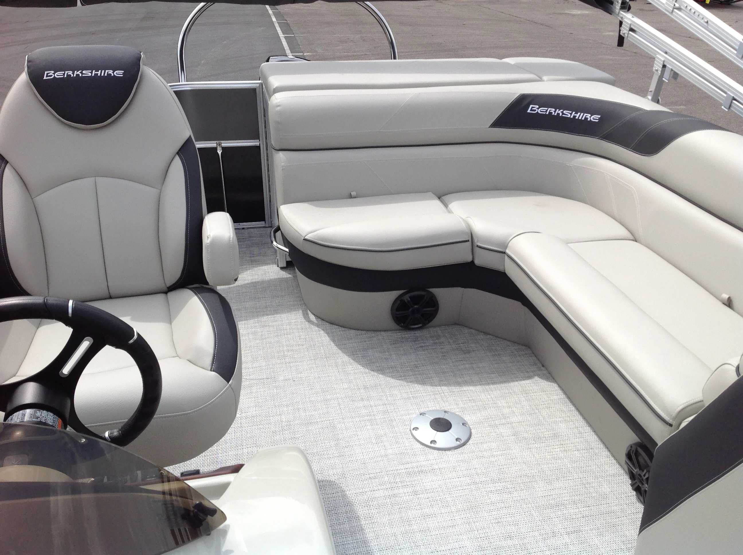 2021 Berkshire Pontoons boat for sale, model of the boat is 20cl Le & Image # 8 of 13