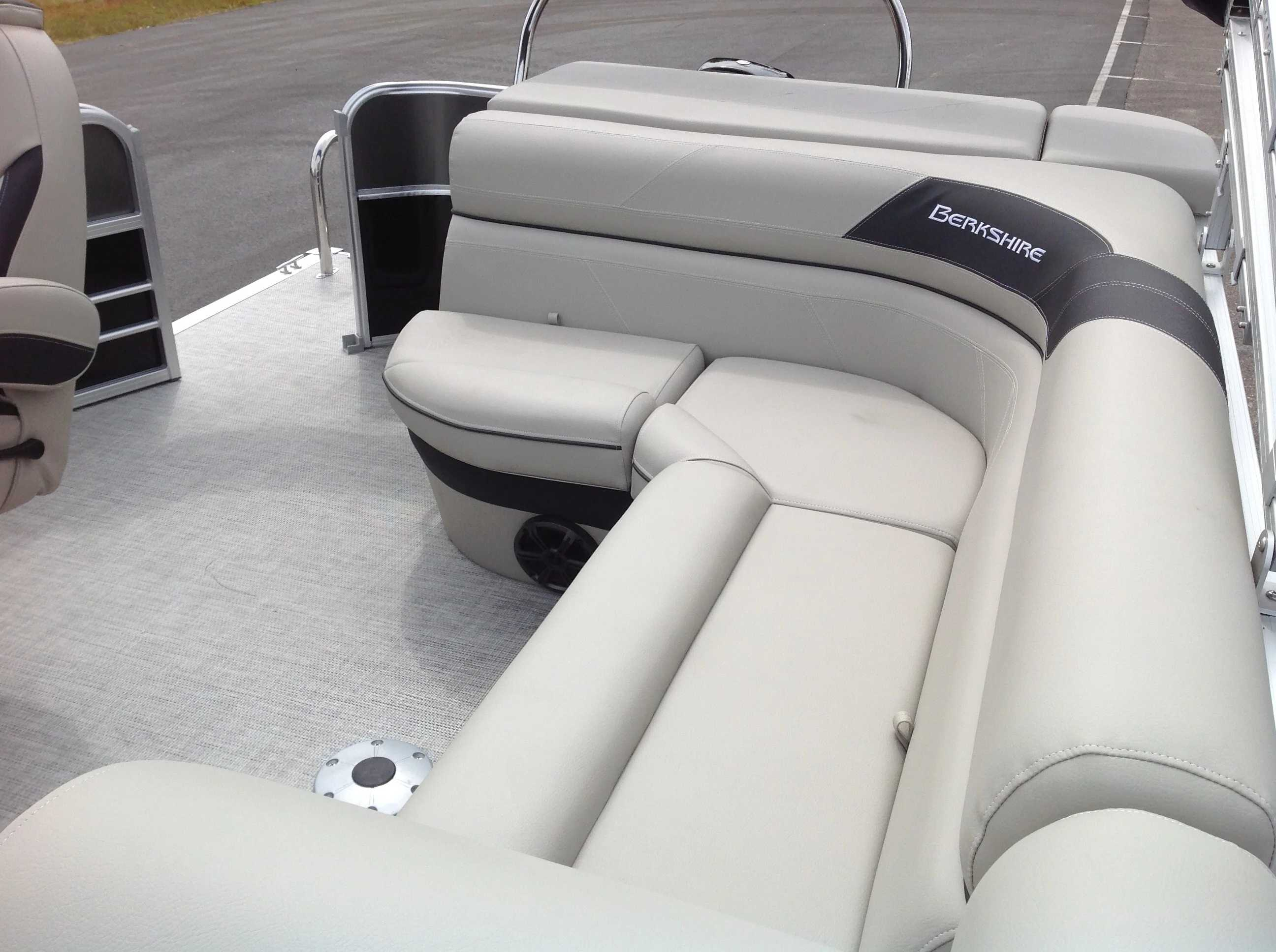 2021 Berkshire Pontoons boat for sale, model of the boat is 20cl Le & Image # 9 of 13