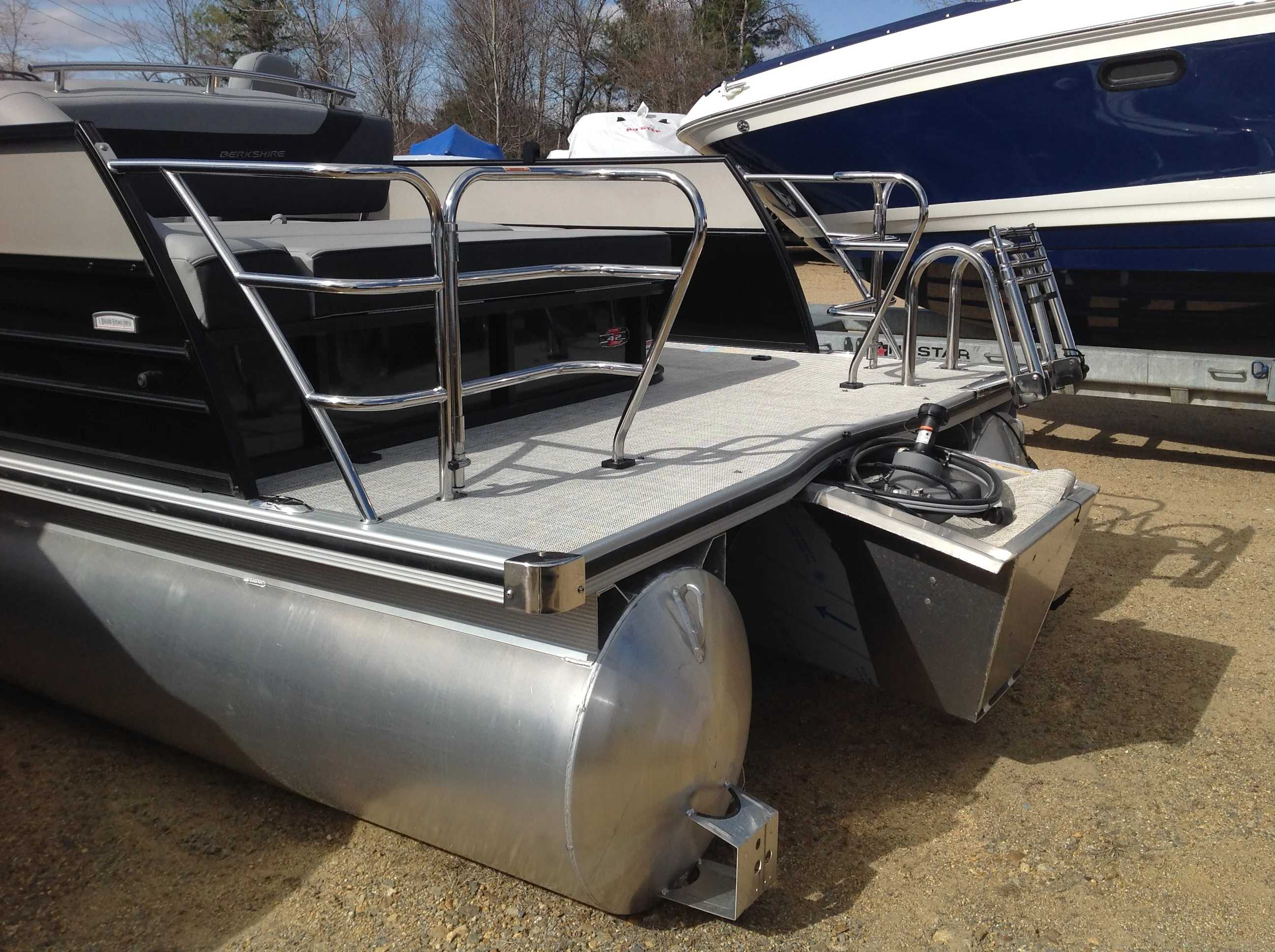 2021 Berkshire Pontoons boat for sale, model of the boat is 24SB2 CTS & Image # 13 of 14