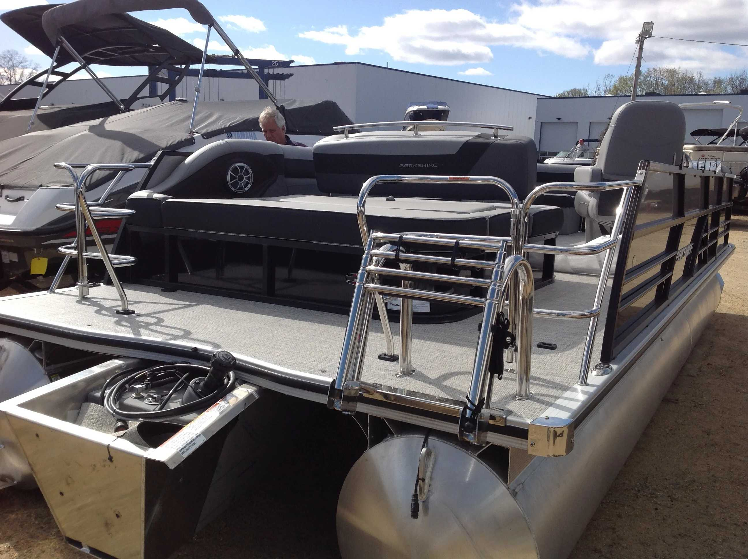 2021 Berkshire Pontoons boat for sale, model of the boat is 24SB2 CTS & Image # 14 of 14