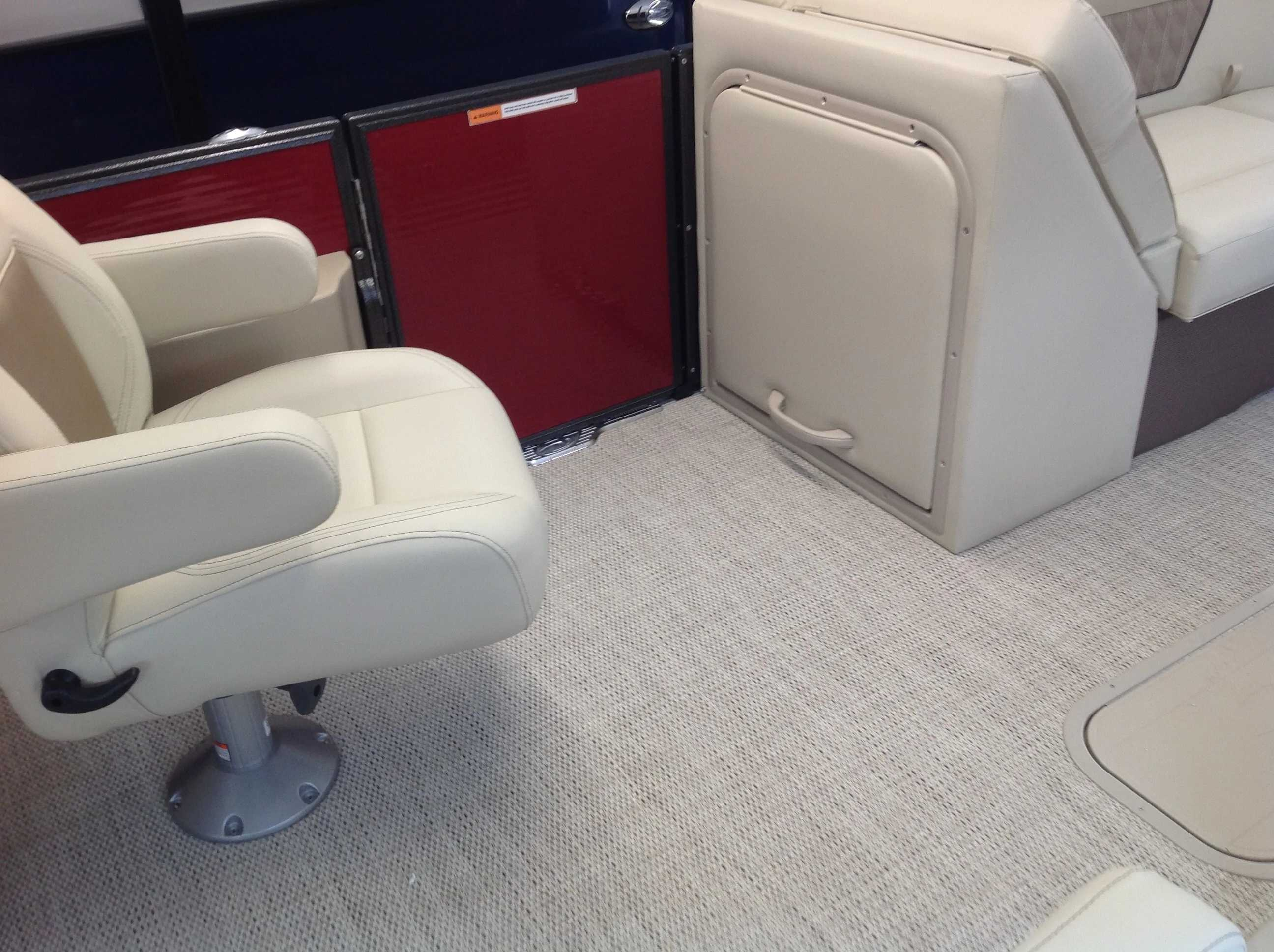 2021 Crest boat for sale, model of the boat is Cl Dlx 220slc & Image # 10 of 15