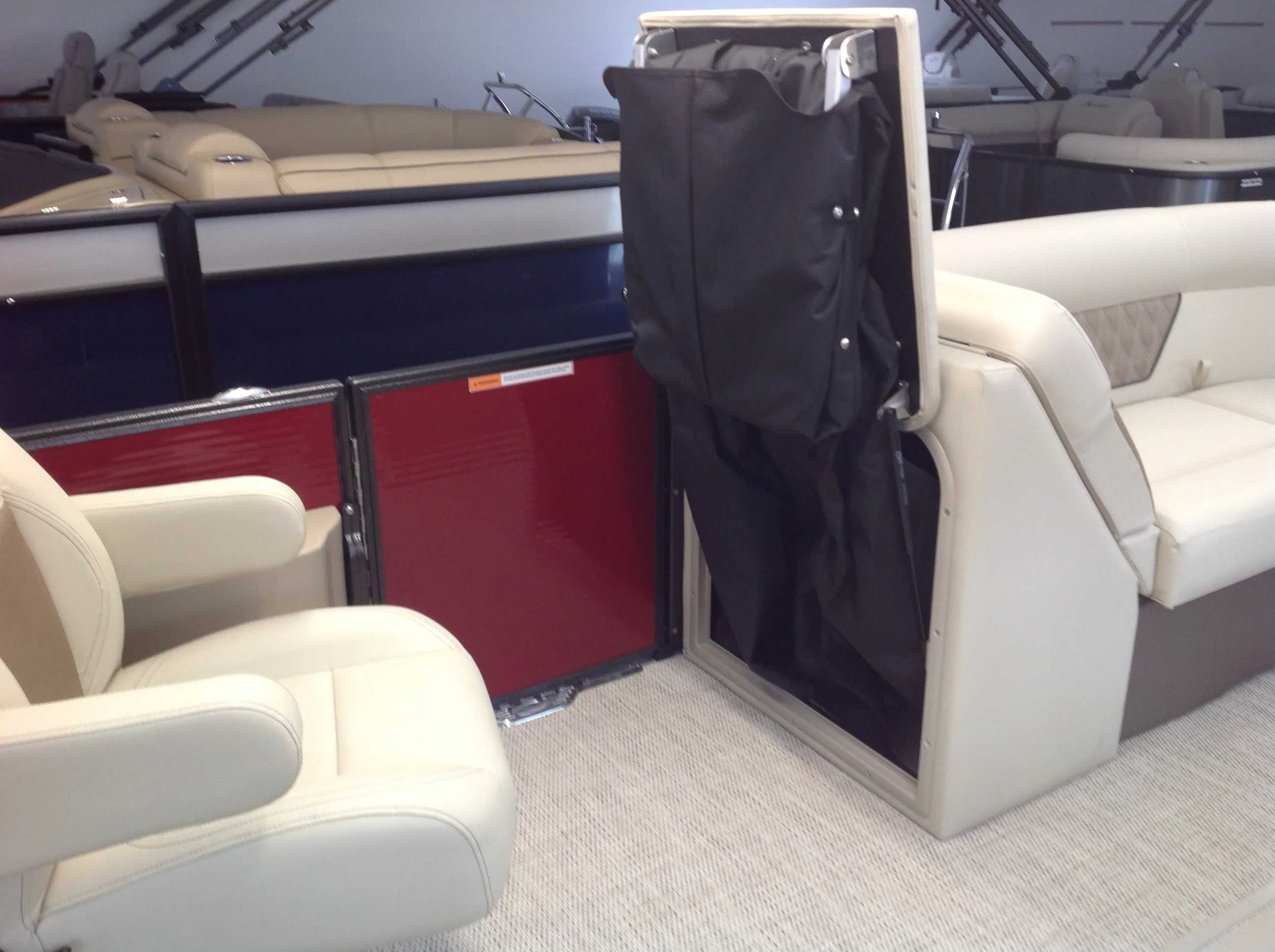 2021 Crest boat for sale, model of the boat is Cl Dlx 220slc & Image # 11 of 15