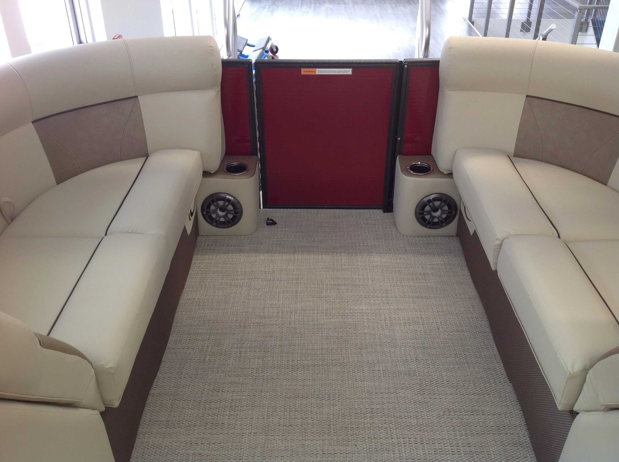 2021 Crest boat for sale, model of the boat is Cl Dlx 220slc & Image # 12 of 15