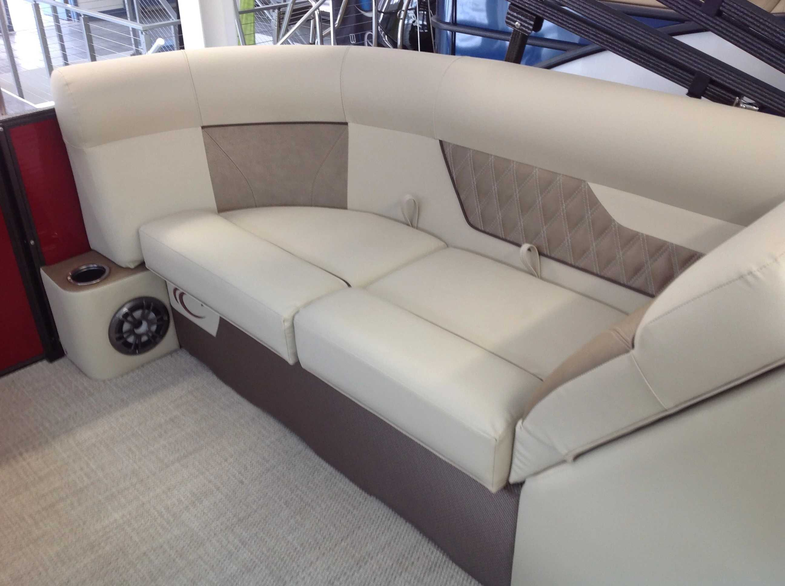 2021 Crest boat for sale, model of the boat is Cl Dlx 220slc & Image # 13 of 15