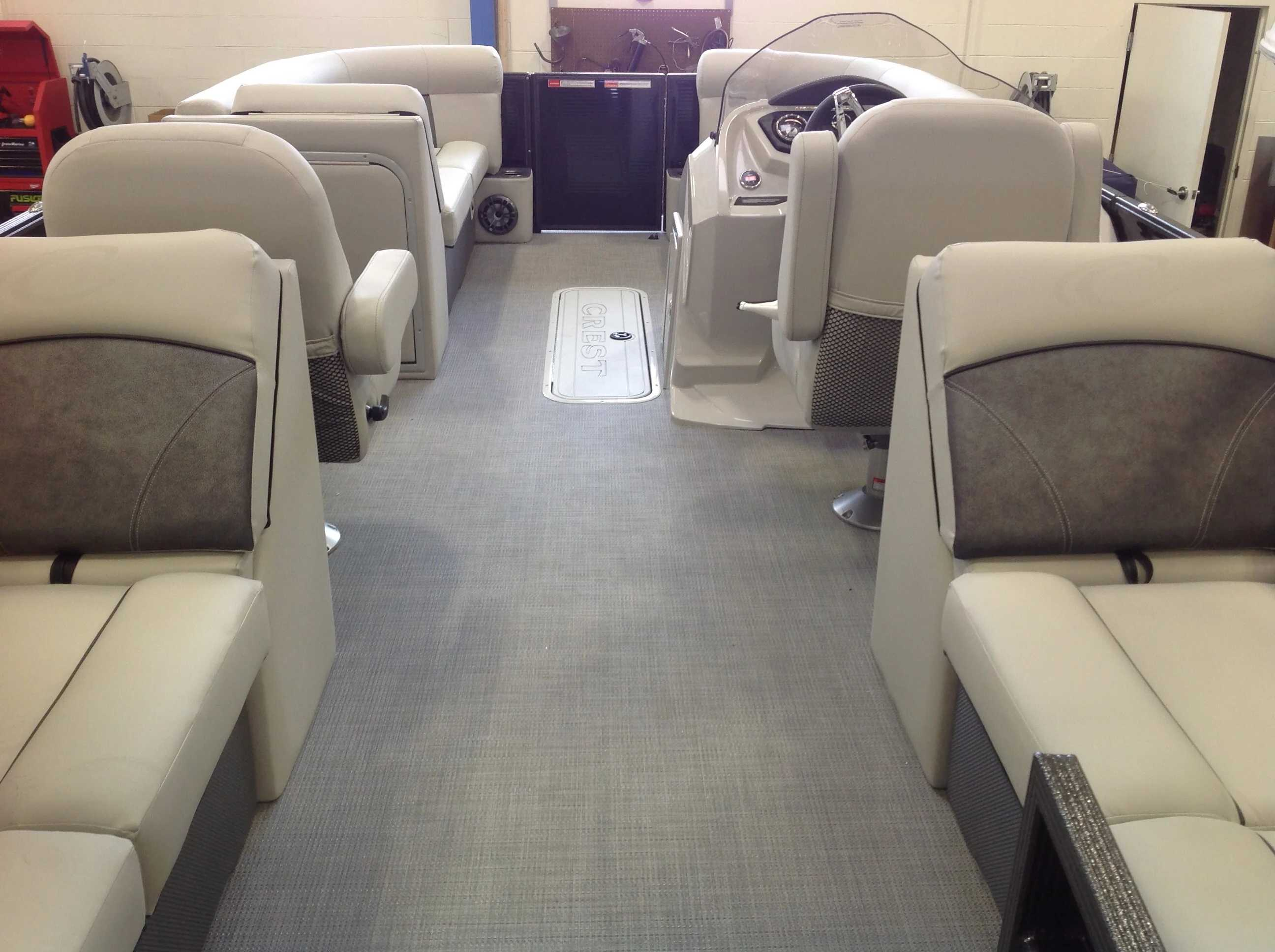 2021 Crest boat for sale, model of the boat is CL DLX & Image # 3 of 14