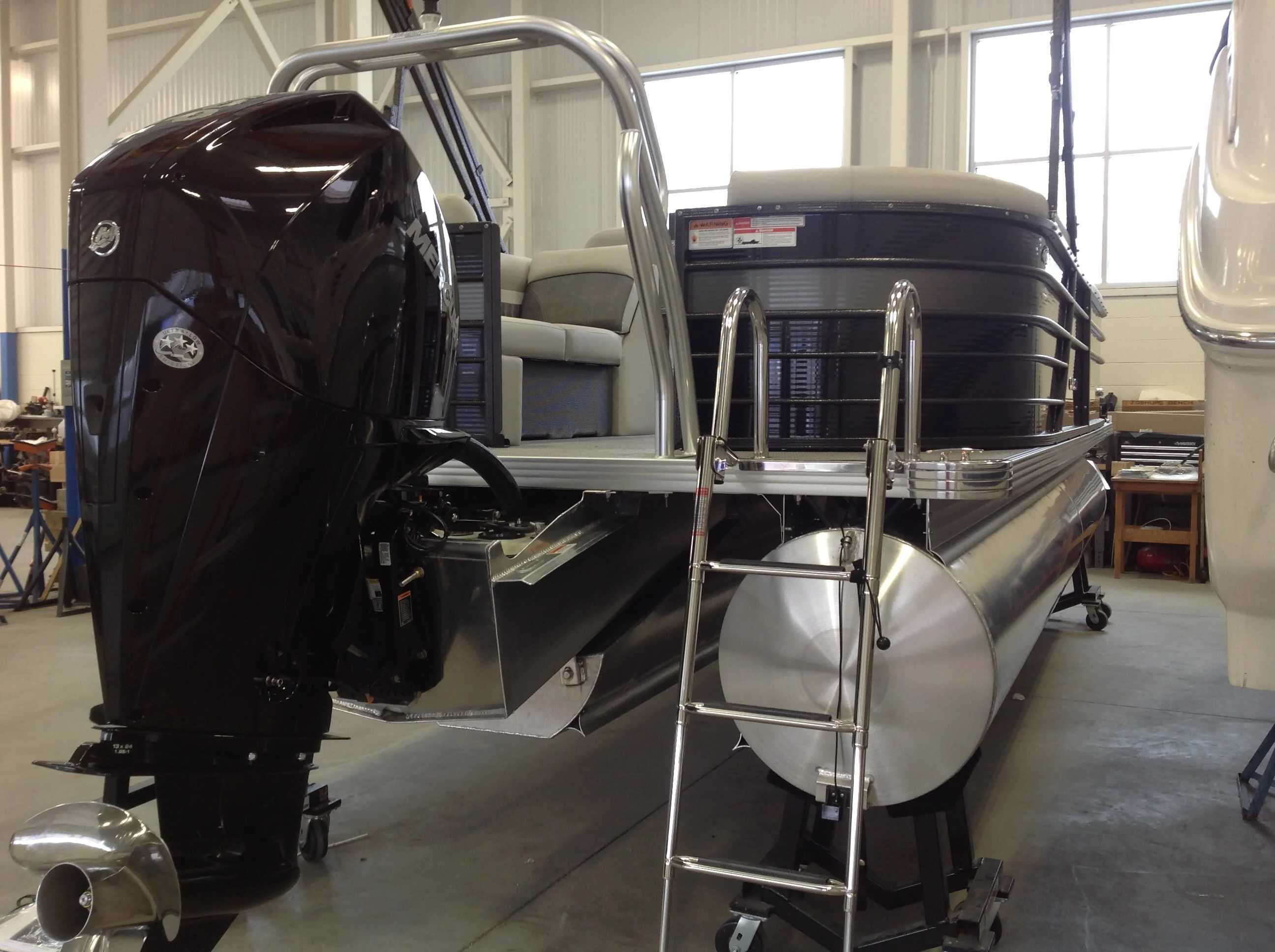 2021 Crest boat for sale, model of the boat is CL DLX & Image # 13 of 14