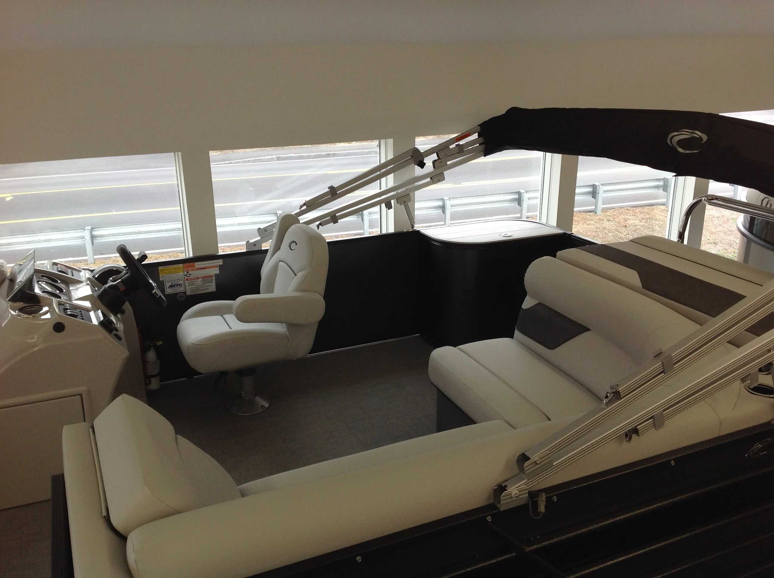 2021 Crest boat for sale, model of the boat is Cl Lx 200l & Image # 4 of 9
