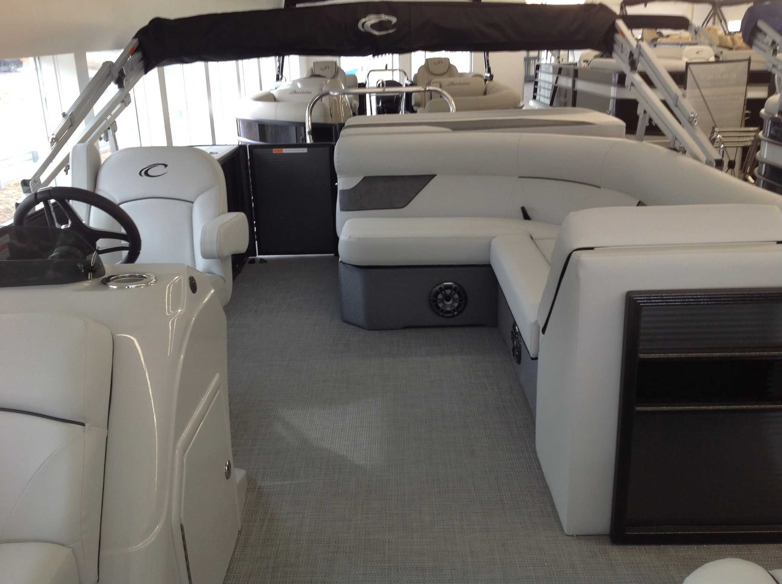 2021 Crest boat for sale, model of the boat is Cl Lx 200l & Image # 3 of 9