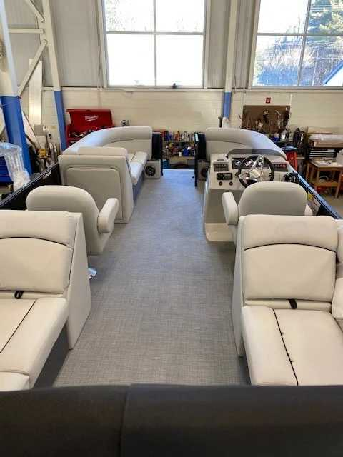 2021 Crest boat for sale, model of the boat is Cl Lx 220slc & Image # 6 of 15