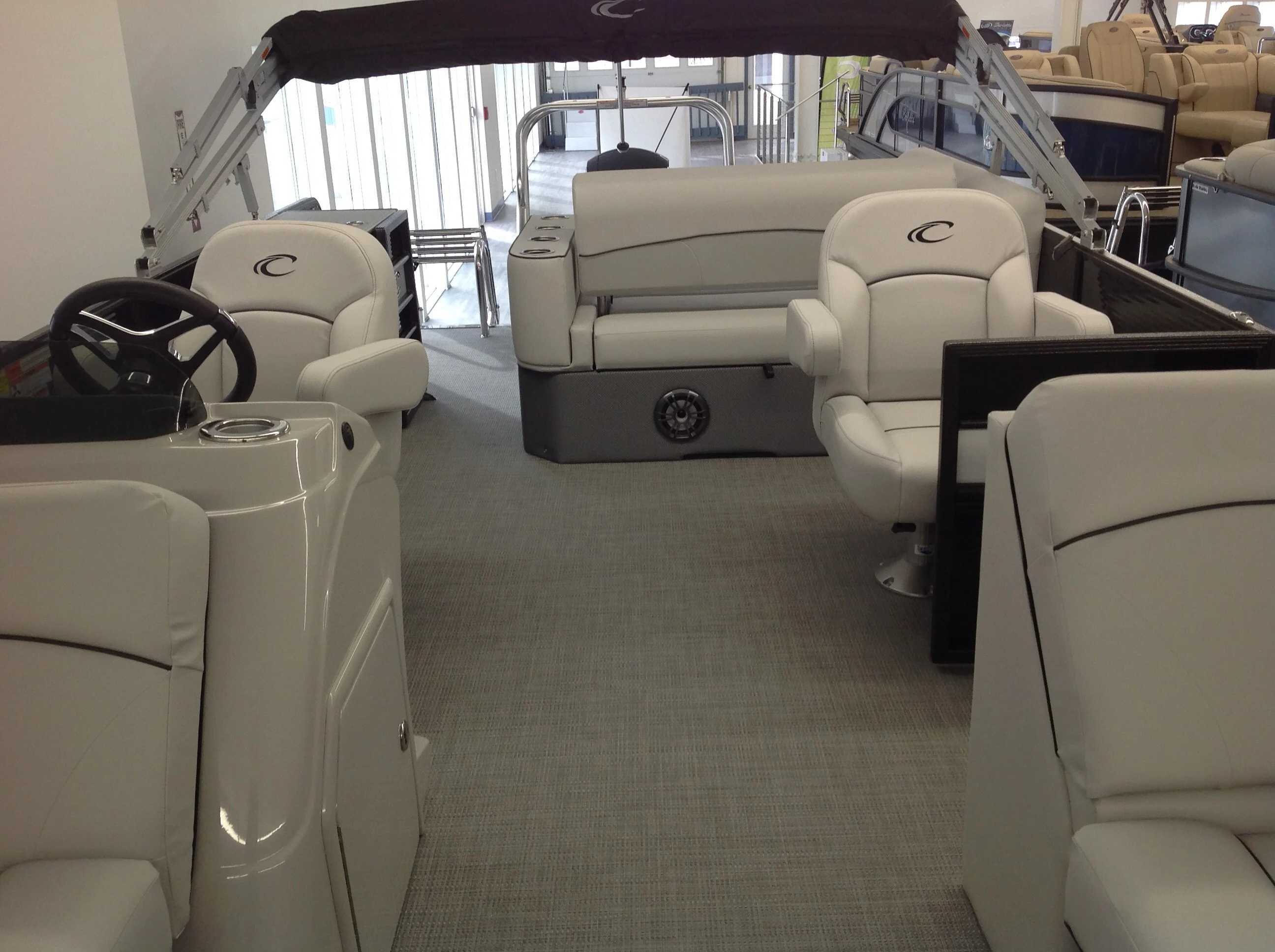 2021 Crest boat for sale, model of the boat is Cl Lx 220slsc & Image # 5 of 13