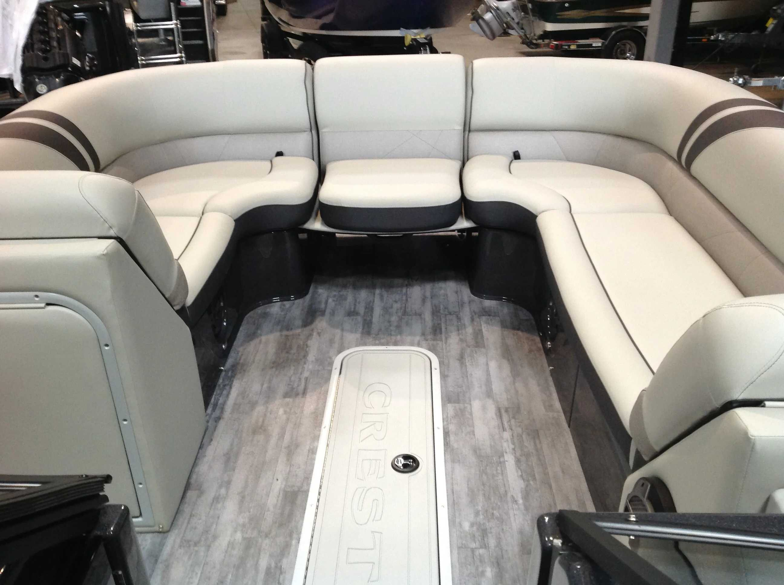 2021 Crest boat for sale, model of the boat is CONTINENTAL 250SLS & Image # 3 of 15