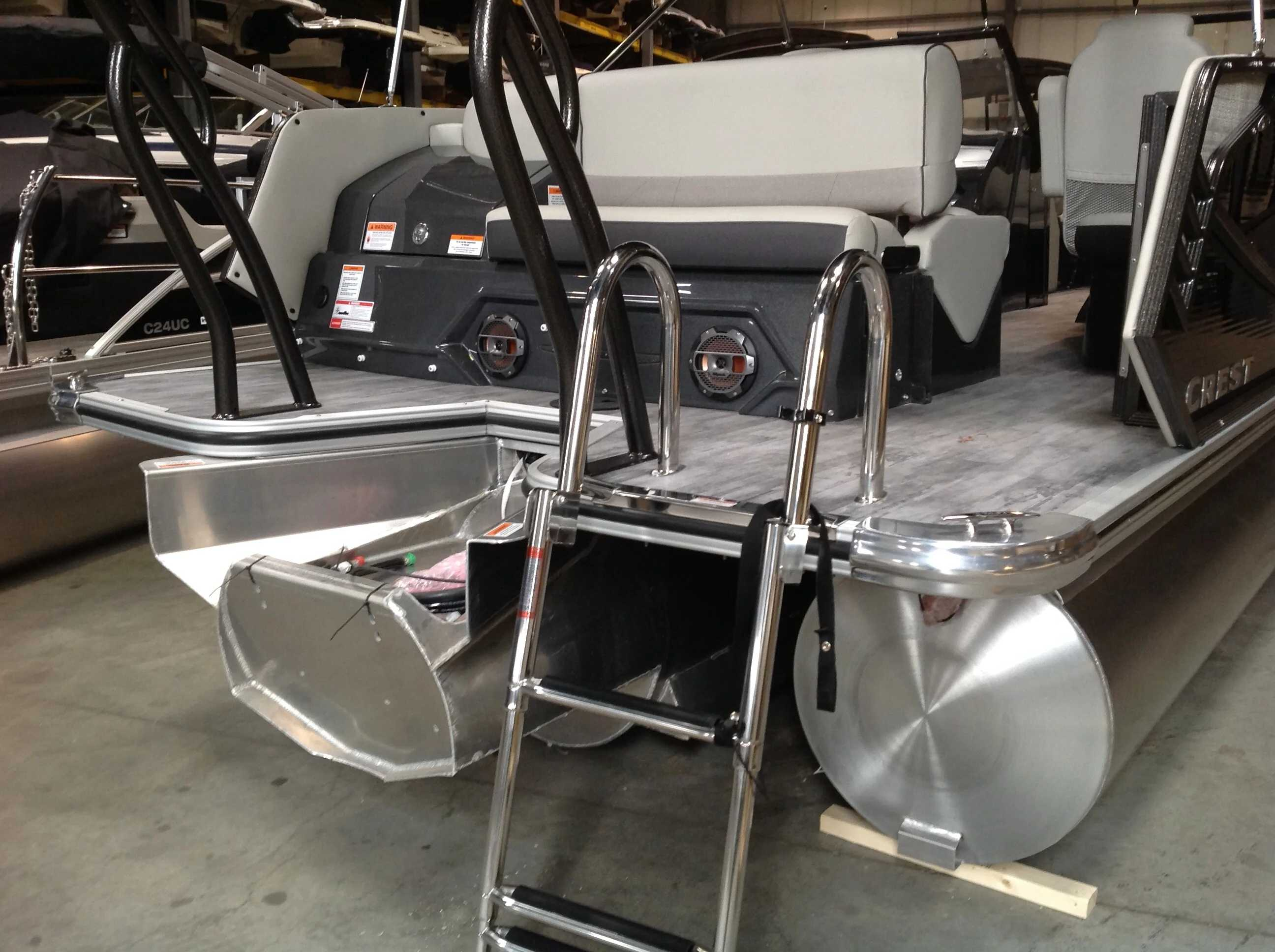 2021 Crest boat for sale, model of the boat is CONTINENTAL 250SLS & Image # 14 of 15