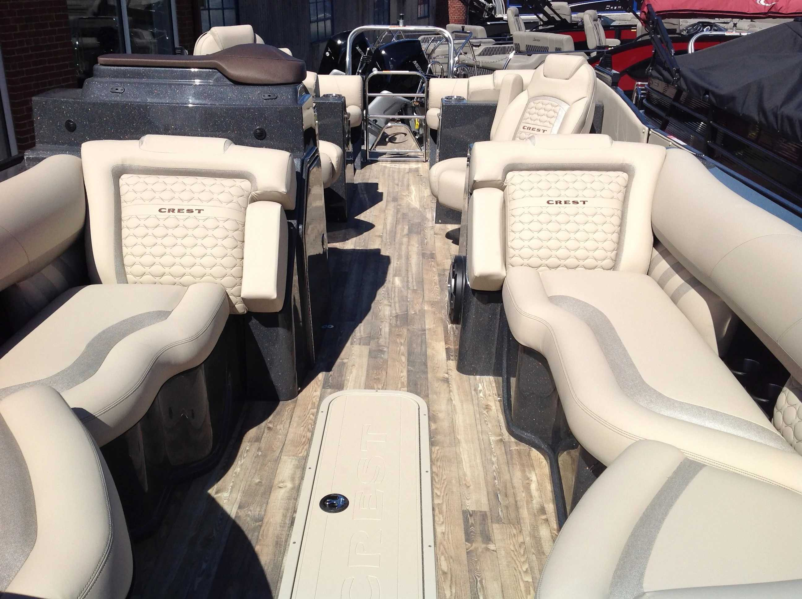 2021 Crest boat for sale, model of the boat is SAVANNAH 250SLRC & Image # 3 of 11