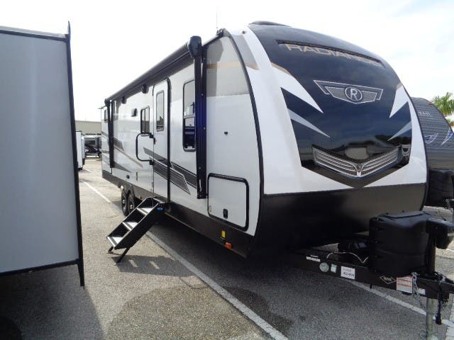 2021 Cruiser Radiance 28QD