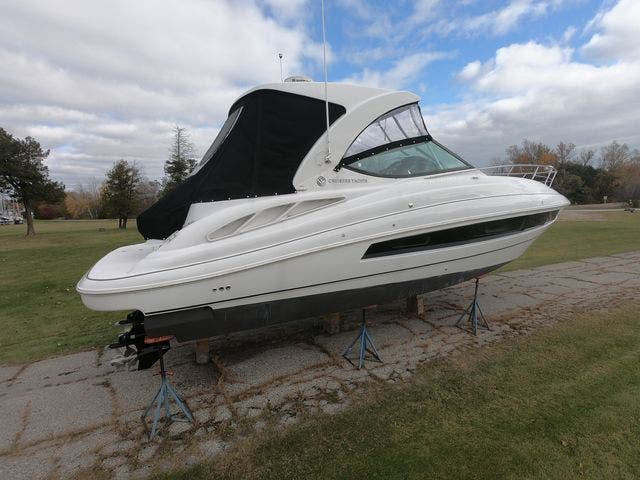 2021 Cruisers Yachts boat for sale, model of the boat is 35EXPRESS & Image # 19 of 23