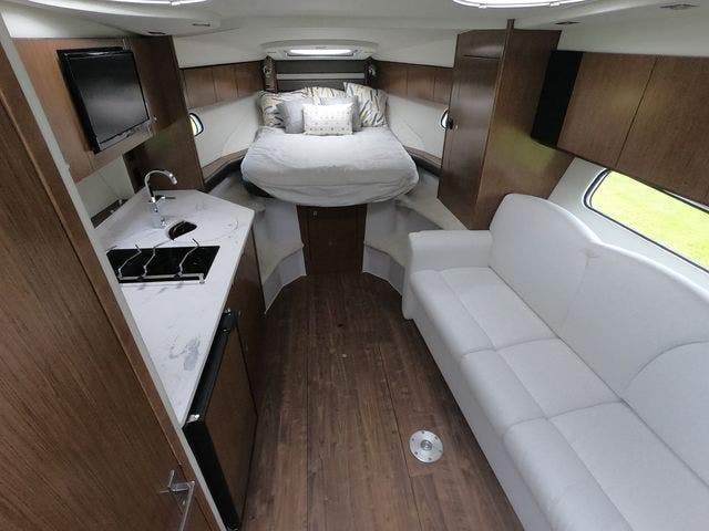 2021 Cruisers Yachts boat for sale, model of the boat is 35EXPRESS & Image # 17 of 23