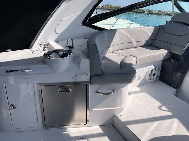 2021 Cruisers Yachts boat for sale, model of the boat is 35EXPRESS & Image # 9 of 16