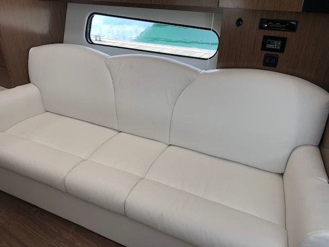2021 Cruisers Yachts boat for sale, model of the boat is 35EXPRESS & Image # 16 of 16