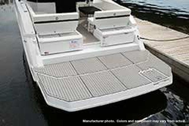 2021 Cruisers Yachts boat for sale, model of the boat is 390EXPRESSCOUPE & Image # 5 of 20