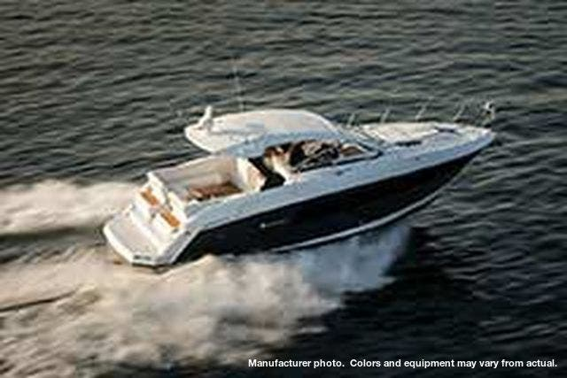 2021 Cruisers Yachts boat for sale, model of the boat is 390EXPRESSCOUPE & Image # 4 of 20