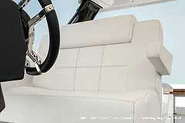 2021 Cruisers Yachts boat for sale, model of the boat is 390EXPRESSCOUPE & Image # 11 of 20