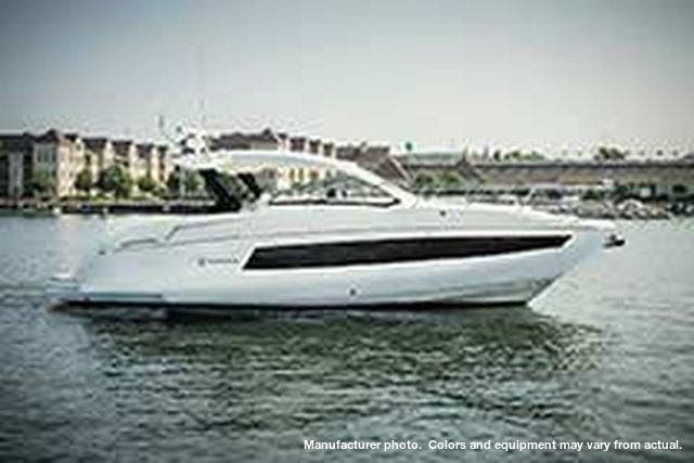 2021 Cruisers Yachts boat for sale, model of the boat is 390EXPRESSCOUPE & Image # 3 of 20