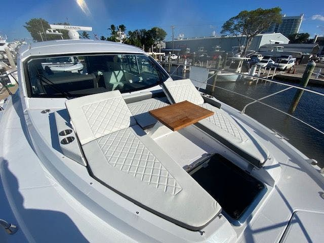 2021 Cruisers Yachts boat for sale, model of the boat is 42CANTIUS & Image # 5 of 28