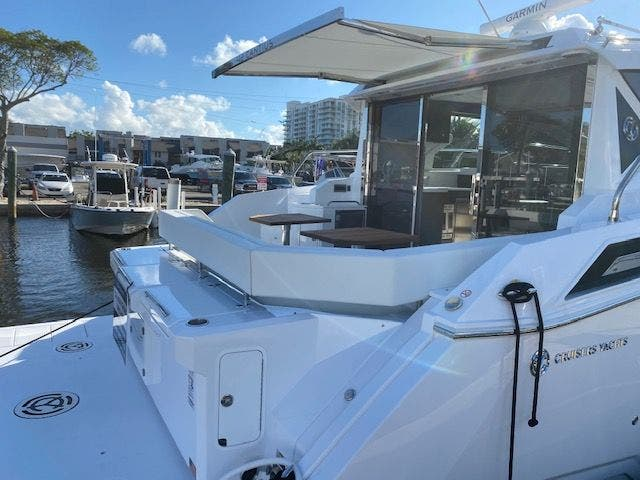 2021 Cruisers Yachts boat for sale, model of the boat is 42CANTIUS & Image # 7 of 28
