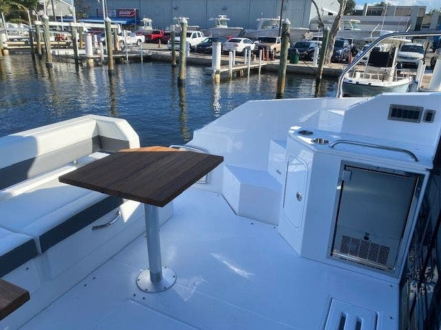 2021 Cruisers Yachts boat for sale, model of the boat is 42CANTIUS & Image # 9 of 28