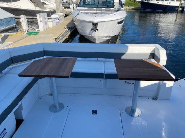 2021 Cruisers Yachts boat for sale, model of the boat is 42CANTIUS & Image # 10 of 28