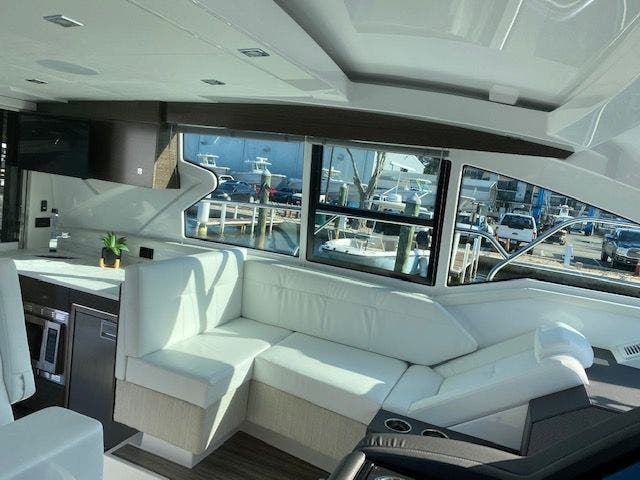 2021 Cruisers Yachts boat for sale, model of the boat is 42CANTIUS & Image # 15 of 28