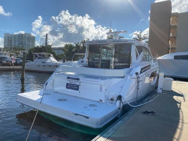 2021 Cruisers Yachts boat for sale, model of the boat is 42CANTIUS & Image # 27 of 28