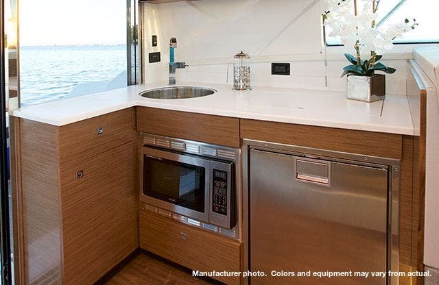 2021 Cruisers Yachts boat for sale, model of the boat is 42CANTIUS & Image # 5 of 11