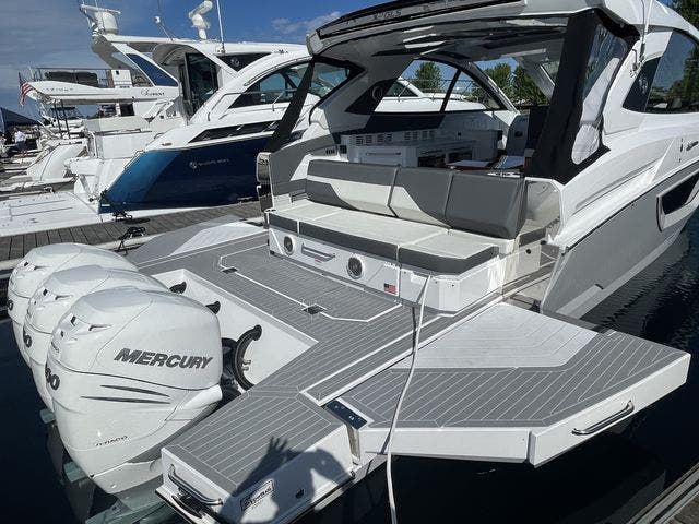 2021 Cruisers Yachts boat for sale, model of the boat is 42GLSOB & Image # 3 of 37