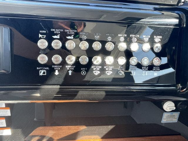 2021 Cruisers Yachts boat for sale, model of the boat is 42GLSOB & Image # 8 of 37