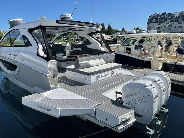 2021 Cruisers Yachts boat for sale, model of the boat is 42GLSOB & Image # 17 of 37