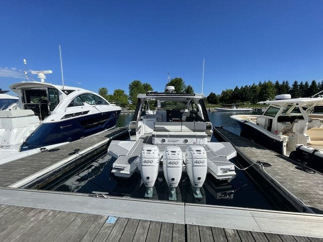 2021 Cruisers Yachts boat for sale, model of the boat is 42GLSOB & Image # 28 of 37