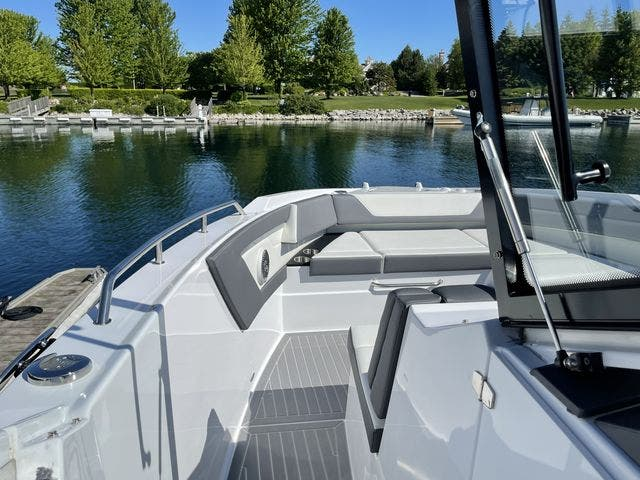 2021 Cruisers Yachts boat for sale, model of the boat is 42GLSOB & Image # 29 of 37