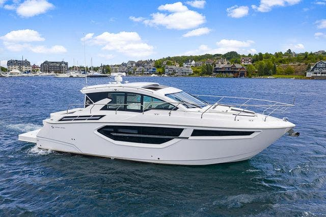 2021 Cruisers Yachts boat for sale, model of the boat is 42 CANTIUS & Image # 5 of 35